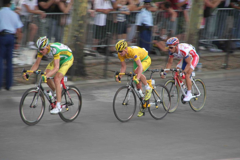 Axel Merckx with Floyd Landis and Jimmy Casper in the 2006 Tour de France