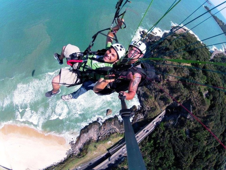 Hang gliding |© courtesy of Rio Adventures tour operators