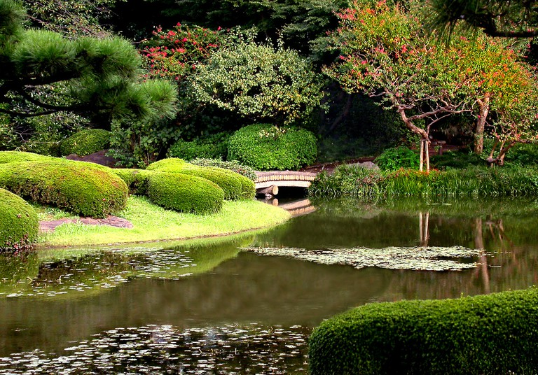 The manicured grounds of the Imperial Palace East Garden