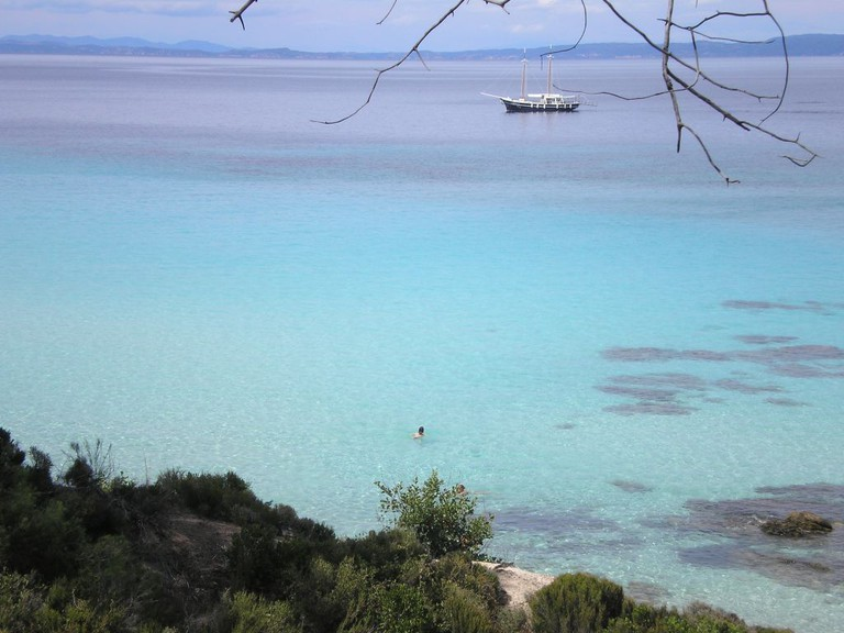 Karvourotripes Beach, Sithonia, Chalkidiki| © ale3andro/WikiCommons
