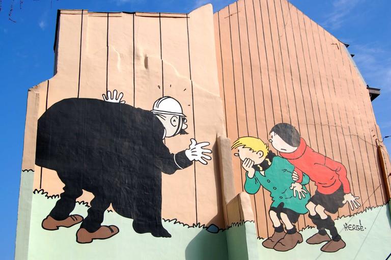 Hergé's Quick and Flupke spying on Agent 15 | © Olivier van de Kerchove/visitbrussels.be