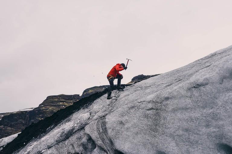 Mountain Climbing | Public Domain/Pixabay