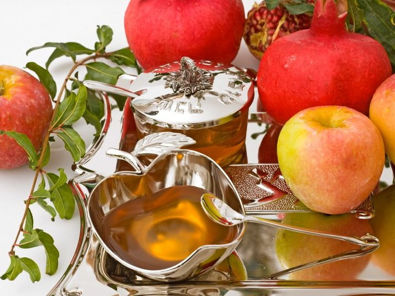 Apples and honey on Rosh Hashanah