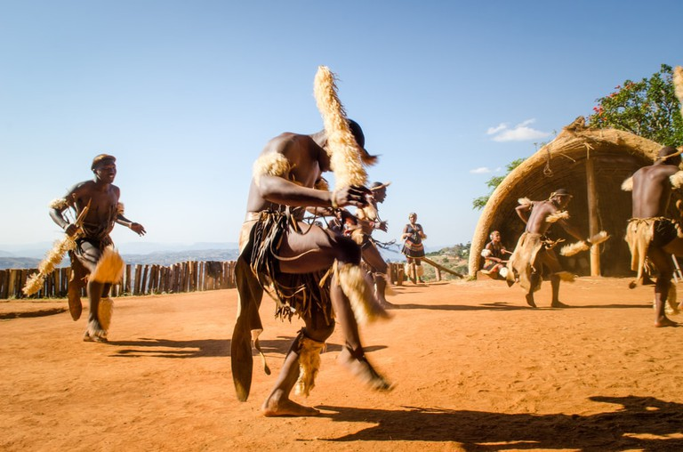 Zulu tribesman traditional dancing, South Africa | © Codegoni Daniele/Shutterstock