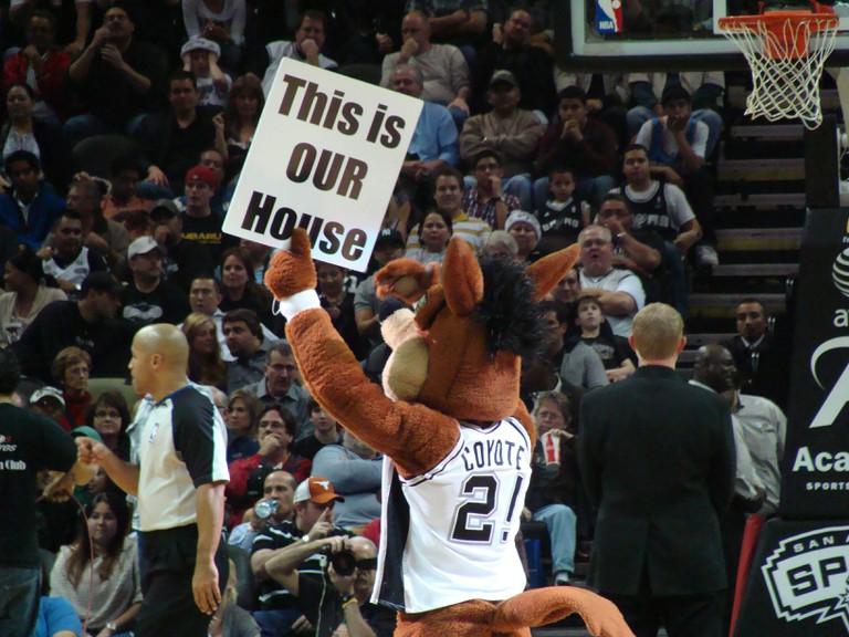 Spurs Coyote Mascot © Zereshk/Wiki