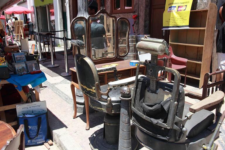 Antiques at Feira Rio Antigo |© Halley Pacheco de Oliveira/WikiCommons