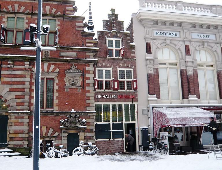 Entrance to De Hallen