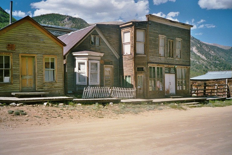Scene in the ghost town of St. Elmo in Chaffee County, Colorado, United States | © Rolf Blauert Dk4hb/Wikicommons