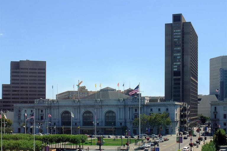 Bill Graham Civic Auditorium © J. Ash Bowie/Wikipedia
