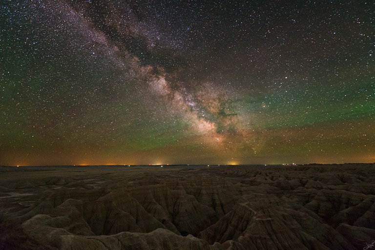 Badlands under the Milky Way | © tsaiproject/Flickr