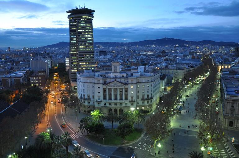 Barcelona's iconic La Rambla | © Jorge Láscar