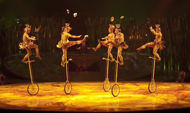 Cirque du Soleil unicyclists | © TBWABusted/Flickr