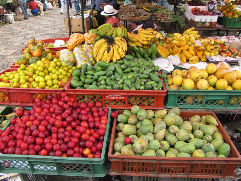 Fruits at the farmer's market in Colombia |© momentcaptured1/Flickr