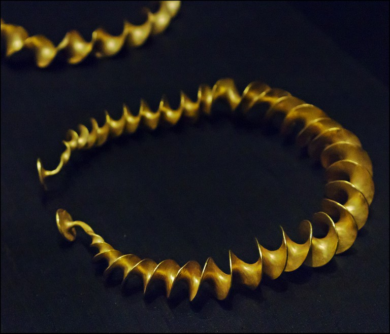 Gold Torc from the Stirling Hoard, National Museum of Ireland | © dun_deagh/Flickr