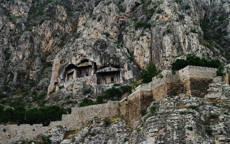 Kral_Kaya_Mezarları,_Amasya