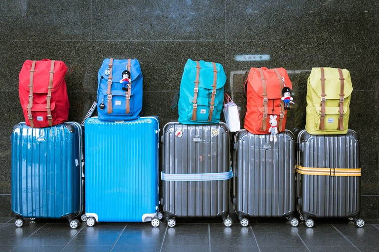 Colorful luggage | © Tookapic/Pixabay