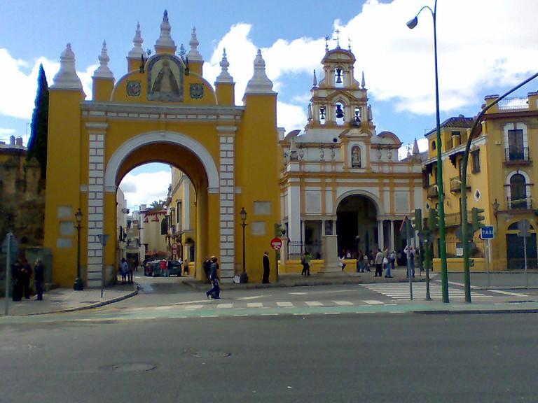 Puerta y Basílica de la Macarena, Sevilla | ©Frobles