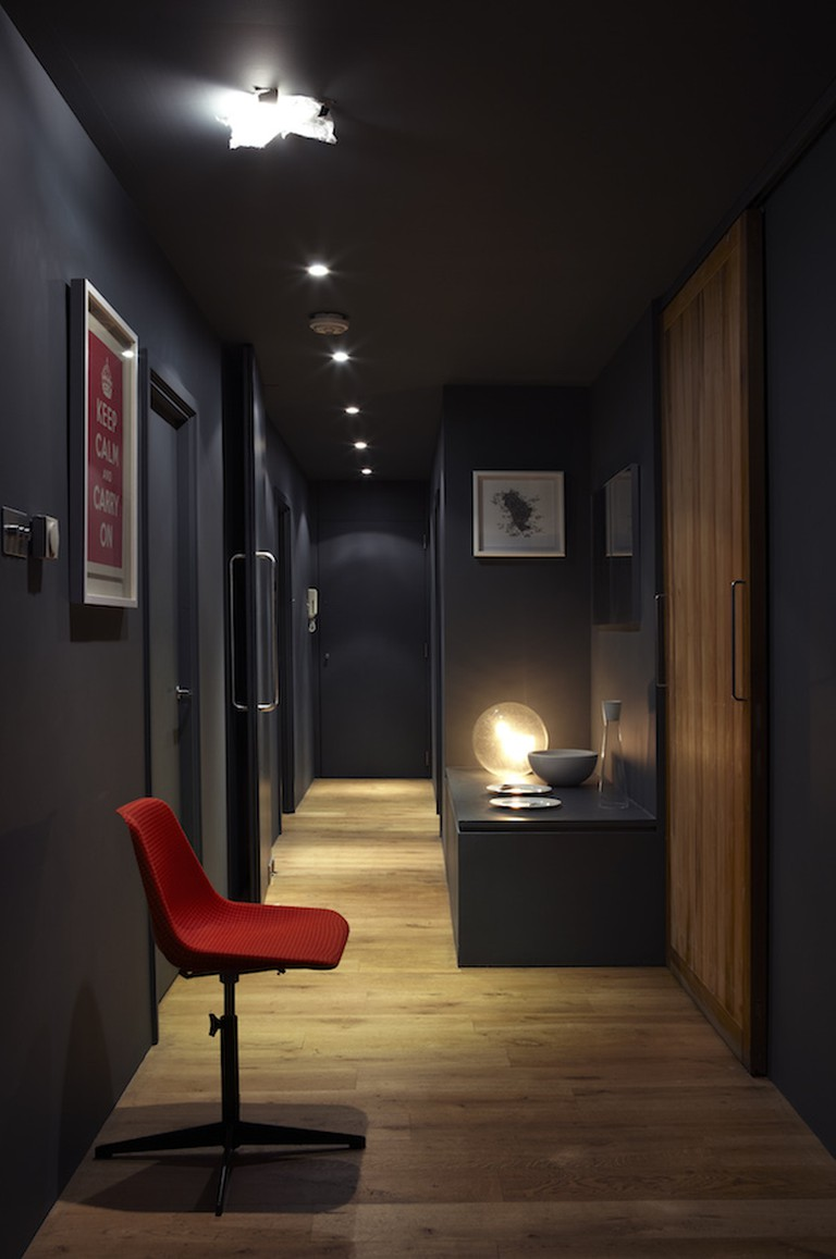 Farrow & Ball's Railings paint has been used in this hallway