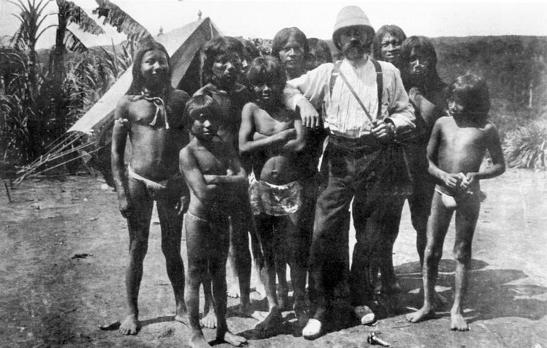 Roger Casement with locals in the Putumayo basin in Peru   © Unknown/WikiCommons