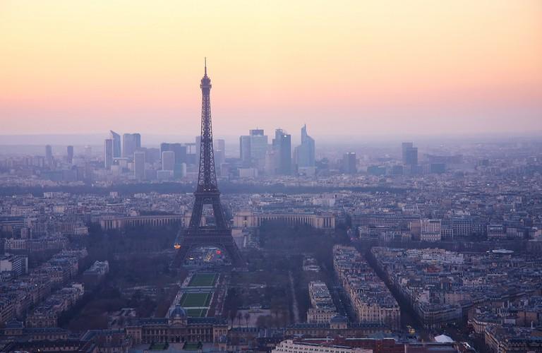 The Eiffel Tower at dusk │