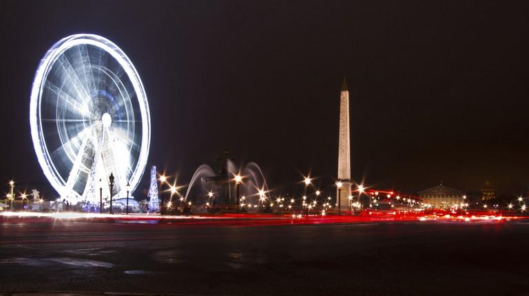 The Ferris wheel at the Place de la Concorde │