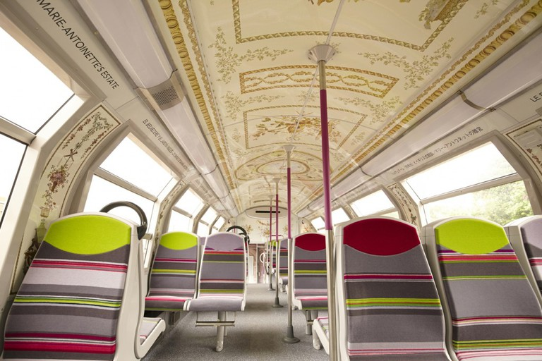 Versailles Train │© Maxime Huriez, Courtesy of SNCF