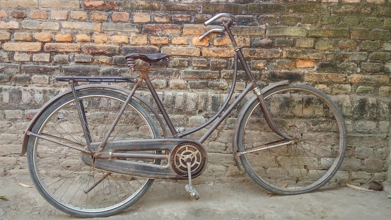 Vintage bicycle │© kriesdinar