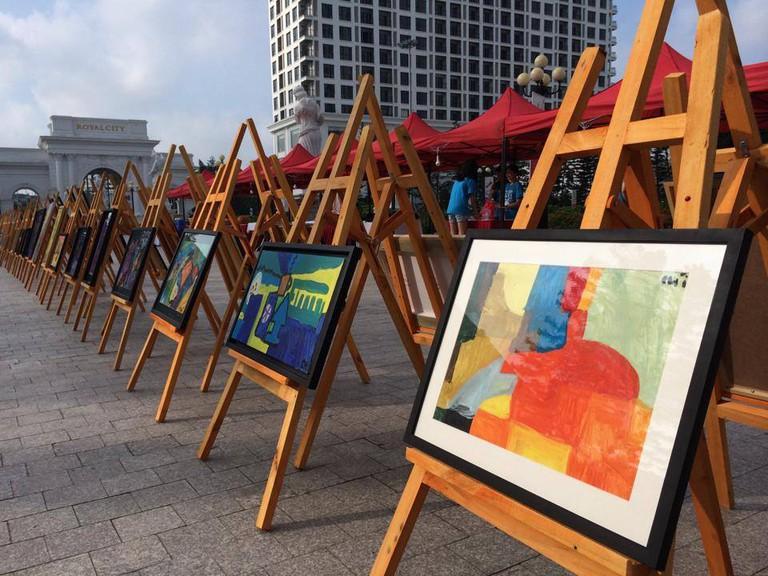 Nem's street exhibition