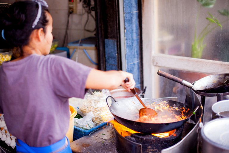 Cooking authentic Pad Thai in Bangkok