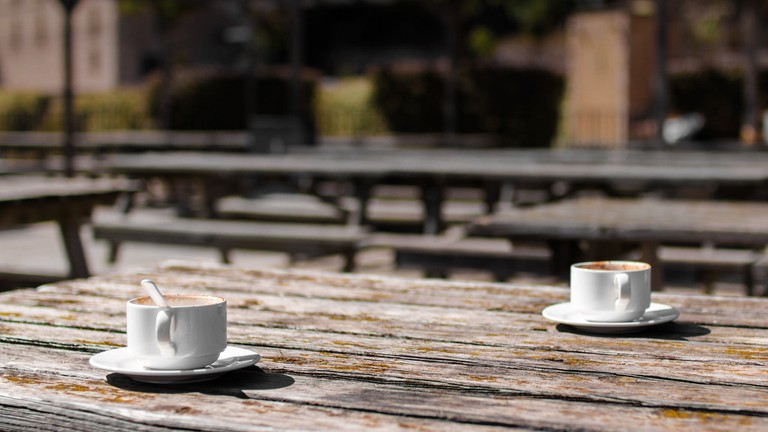 A 'café solo' is hardly ever really a coffee alone