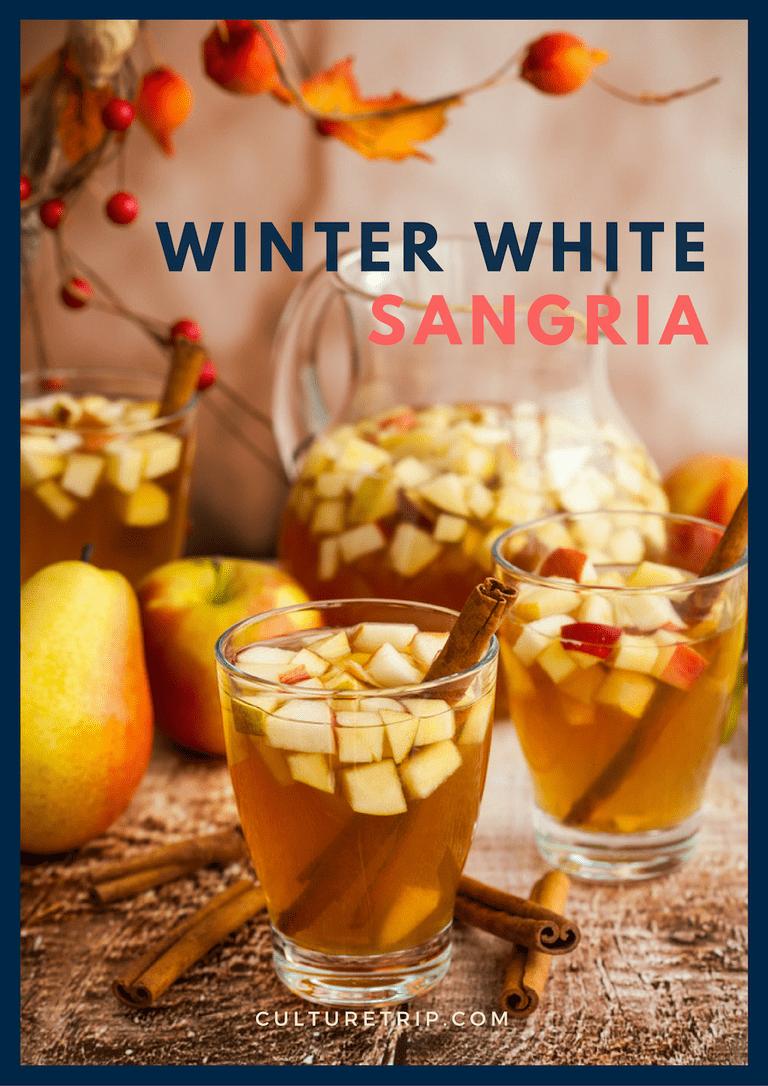 Winter White Sangria | © Shutterstock: sarsmis / Designed by Maxence Effantin