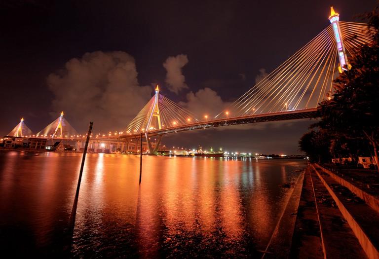 Bhumibol Bridge (สะพานภูมิพล) – Bangkok
