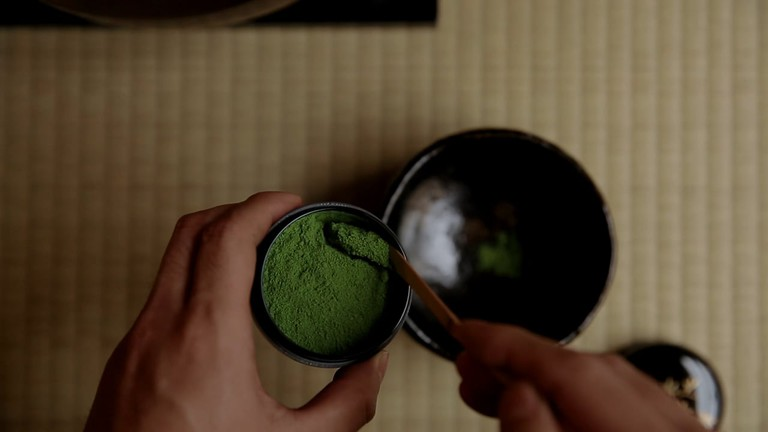 Wooden scoop for the matcha