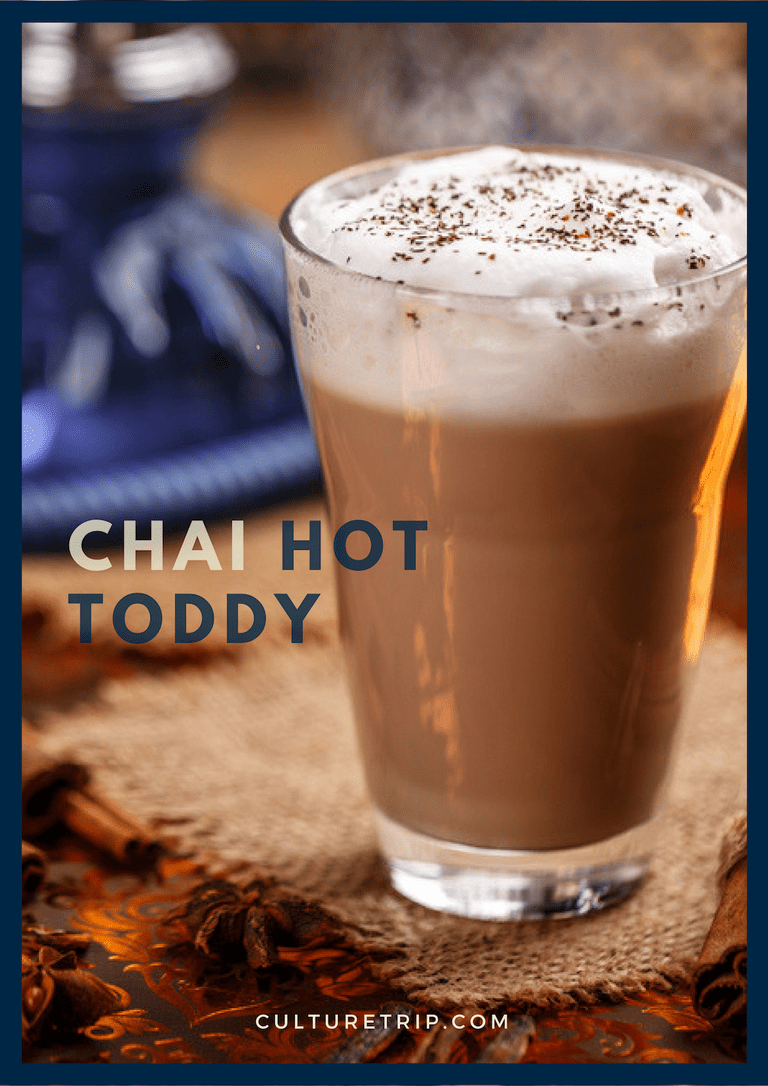 Chai Hot Toddy | © Shutterstock: grafvision / Designed by Maxence Effantin
