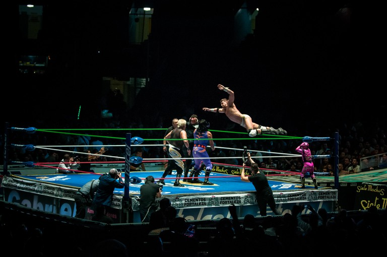 Luchadores in action│ © Eneas De Troya/Flickr