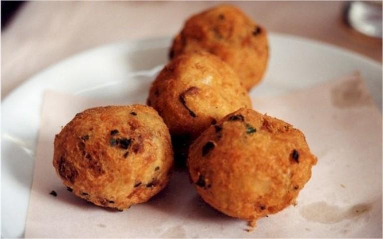 Fried balls of cod  © GostinhoDeBrasil/WikiCommons