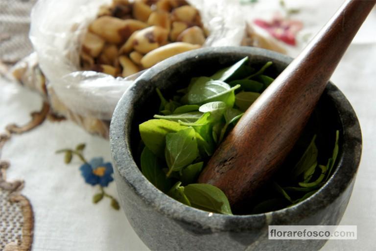 Brazil nut pesto