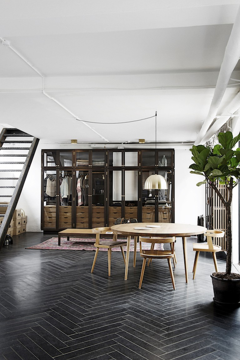 This Danish townhouse features beautiful handcrafted furniture by Københavns Møbelsnedkeri