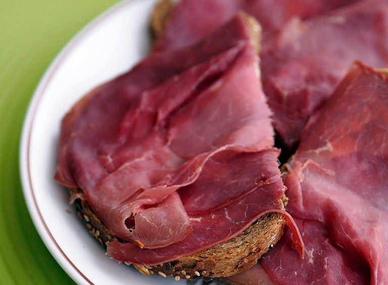 Smoked horse meat on toast │