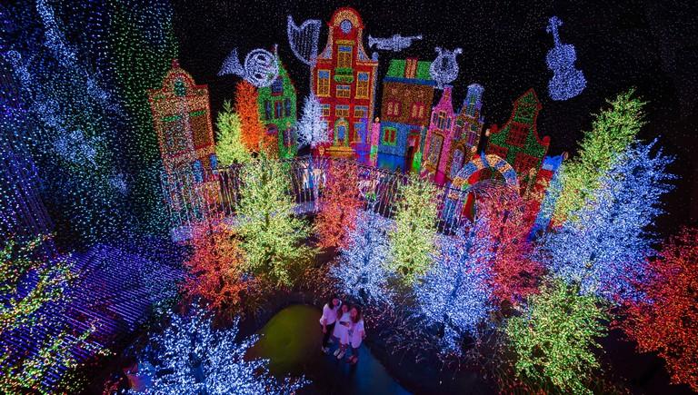 Santa's All-Star Christmas & Universal Studio | Courtesy of Universal Studios Singapore
