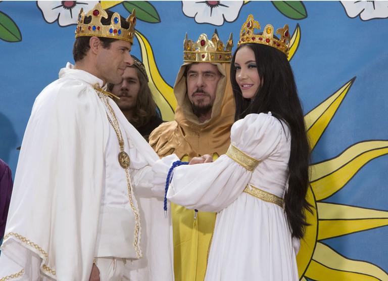 Elaine's fake wedding with Griff (Gian Keys)
