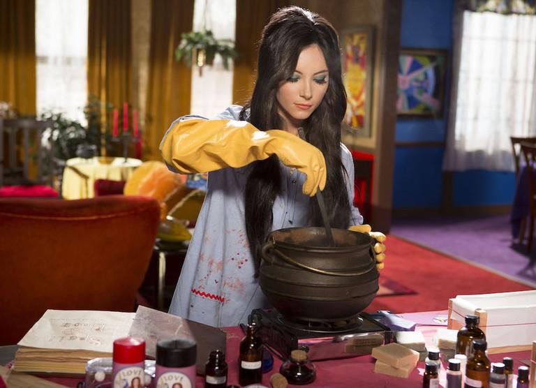 Elaine mixes a love potion
