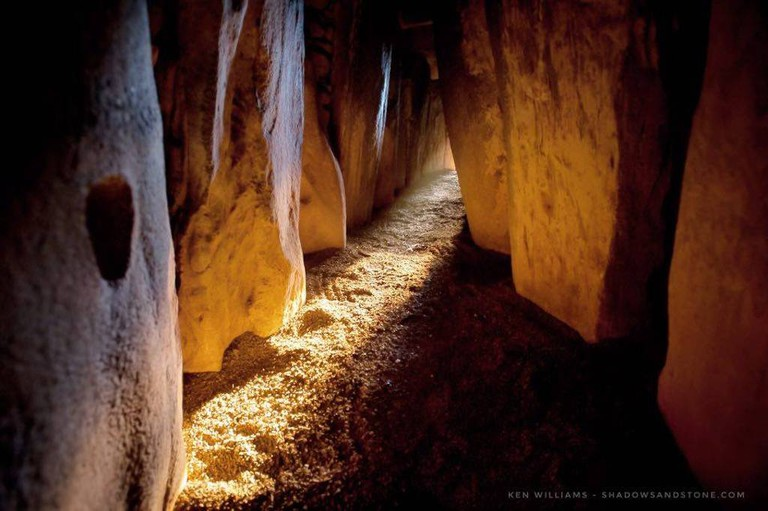 Inside the passageway at Newgrange | © Ken Williams