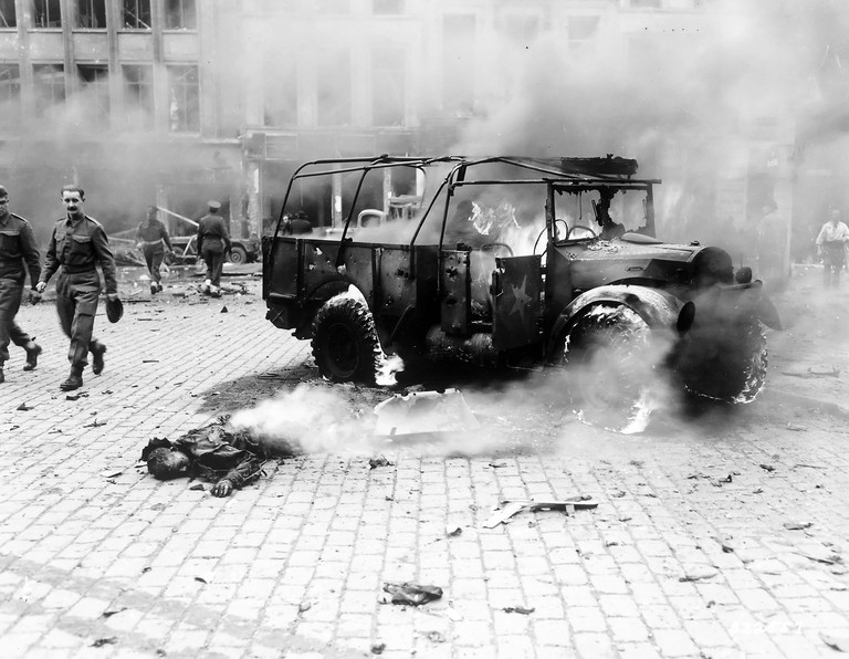 1944: the victim of a vicious V2-attack on Antwerp | Wikimedia Commons/public domain
