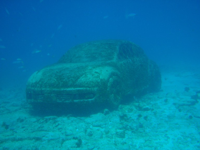 Submerged Volkswagen | © Andy Blackledge/Flickr