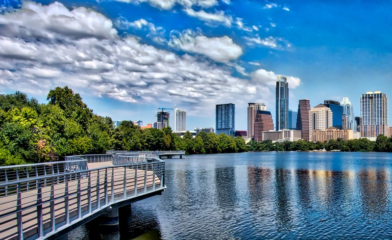The Boardwalk at Lady Bird Lake © sbmeaper1/Flickr