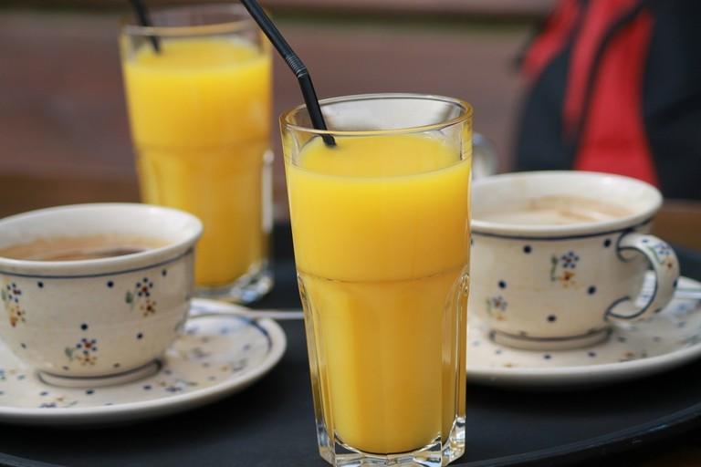 Orange juice and coffee |public domain/pixabay