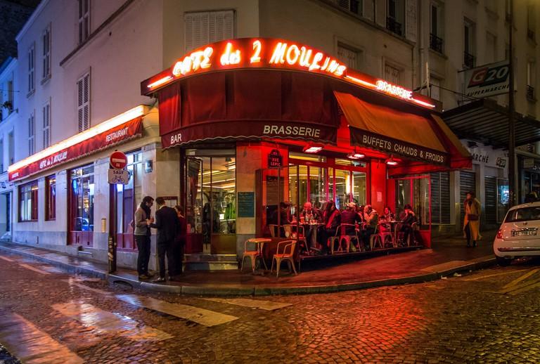 The Café des 2 Moulins in Montmartre │© Cyril Schneider