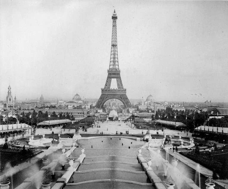 The Eiffel Tower entrance to the Exposition Universelle in 1900 │© BIE