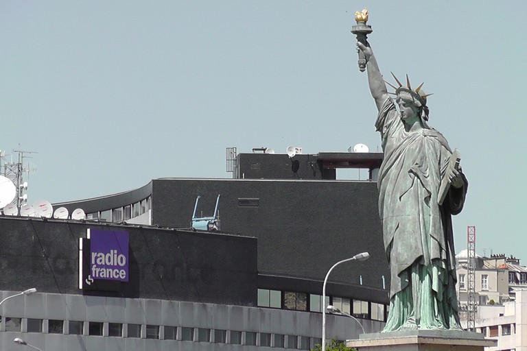 The Statue of Liberty and the Maison de la Radio │© JeanneMenjoulet&Cie